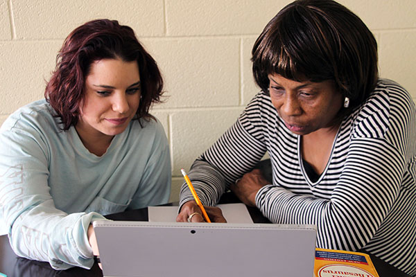 VHCC Students working together on a computer